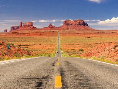 road 66-MONUMENT VALLEY